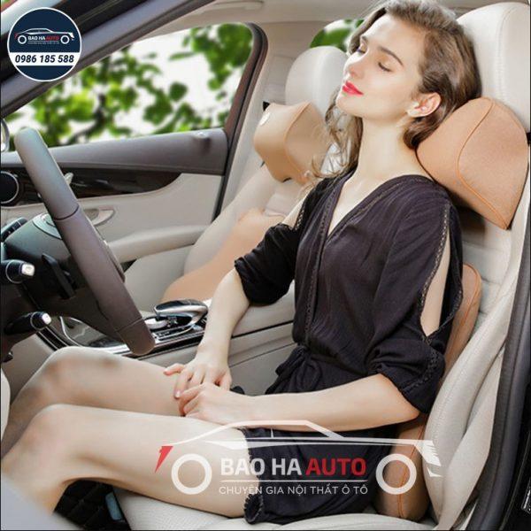 Gối tựa lưng ô tô chất liệu cao su nhớ hình cao cấp