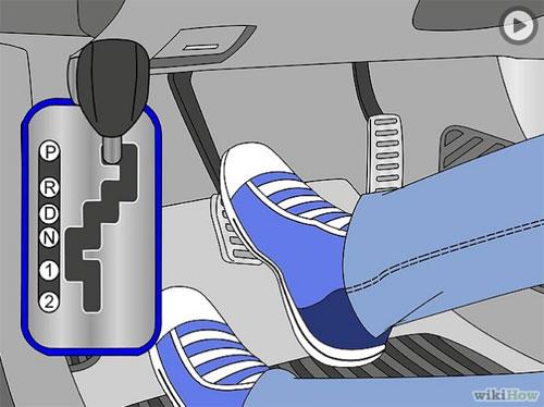 Cách vào số xe ô tô tự động nhanh chóng, an toàn, đúng cách