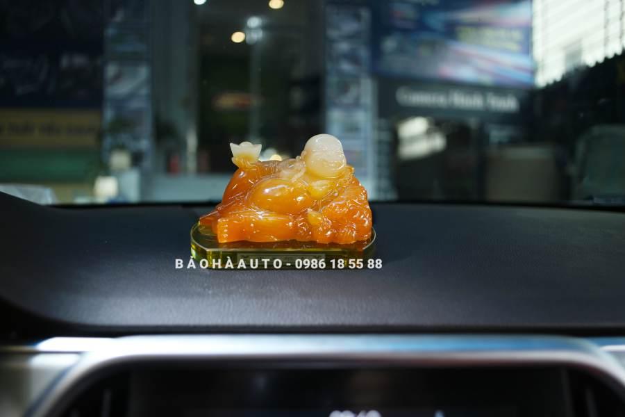 Tượng Đức Phật Di Lặc bằng thủy tinh để taplo xe ô tô cao cấp